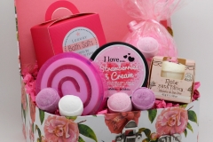 Strawberry Rose Gift Box